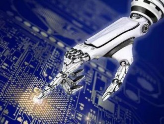 更强的不是AI 而是掌握它的人类