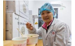 碧桂园餐饮机器人走进武汉,1小时超百份煲仔饭