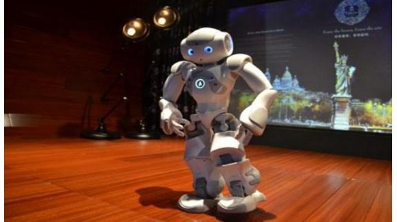 未来手机或将被小型机器人取代