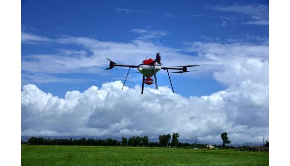 智慧农业时代,无人机成为新农人标配!